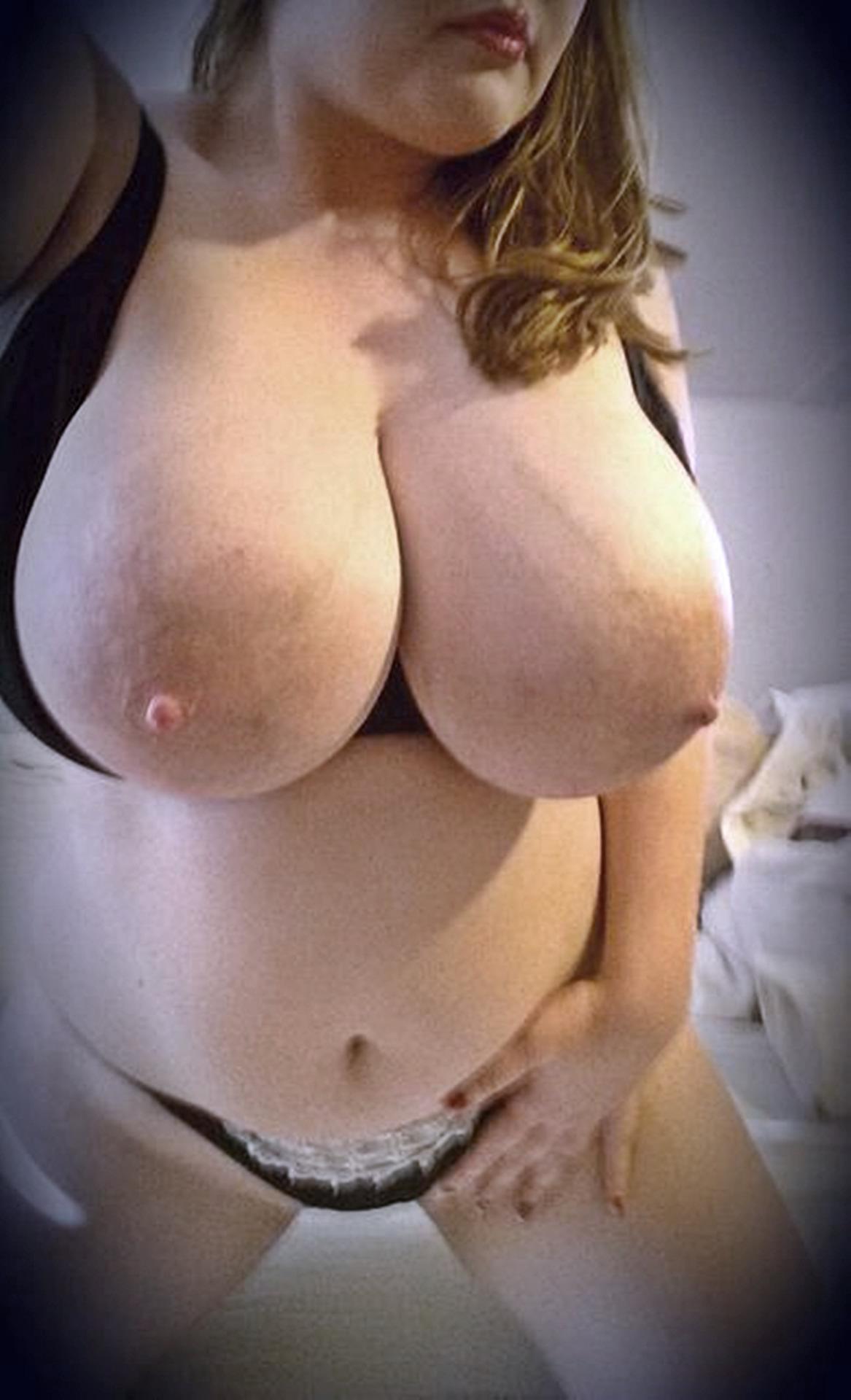 Blonde à gros seins cherche plan sexe occasionnel